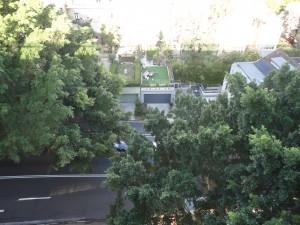 Барбекю на крыше гаража